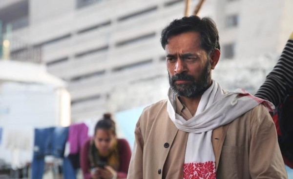 yogendra-yadav-emerges-insignificant-the-hero-man